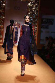 Manish Malhotra, simple suit w/ intricate pants