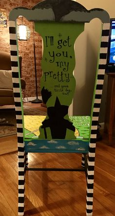 """""""Wizard of Oz"""" themed chair Wizard Of Oz Decor, Wizard Of Oz Gifts, Wizard Of Oz Quotes, Wizard Oz, Wizard Of Oz Collectibles, Famous Pictures, Deco Originale, Wicked Witch, Painted Chairs"""