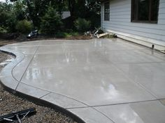 Concrete patio with stamped border