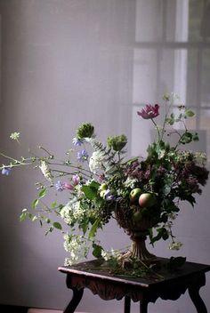 Thanks A Bunch: flowers sarah ryhanen Deco Floral, Motif Floral, Arte Floral, Floral Design, Ikebana, Fresh Flowers, Beautiful Flowers, Cheap Flowers, Summer Flowers