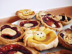 http://amadealzon.com/2014/10/156/ . Fuck Yeah Halloween | via Tumblr #costumes -  #desserts  #candy corn