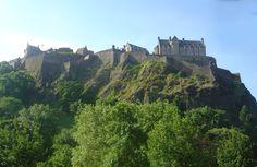 Edinburgh, castle, Edinburgh Castle, Scotland, owesome, beautiful, castle rock, trees, night, castillo, castillo de Edinburgo, Escocia, increible, bonito, castillo de piedra, arboleda, noche