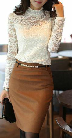 e270c29e94e4 chemisier-dentelle-blanc-avec-jupe-marron-ceinture-fine-