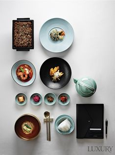 비즈니스맨을 위한 6가지 런치 코스 Food Design, Food Flatlay, Hotel Food, Home Meals, Restaurant Menu Design, Food Concept, Food Drawing, Asian Cooking, Food Packaging
