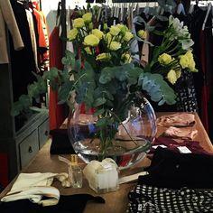 Bon dissabte ☀️☀️posant la botiga bonica 🌿🌿#leï1984 #leonharper #reiko #madewithlove #americanvintage #cool #moda #modafeminina #instafashion #paris #diadeconpras #conplementos #sessunaddict #samsoesamsoe #mrboho #srtabolitas #srtabolitaskids #tardorhivern #nuevacoleccion #barcelona #girona #blanes #costabrava #regalosoriginales #💝💝💝💝