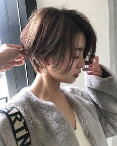Pin on ヘアスタイル Short Bob Haircuts, Haircuts With Bangs, Girl Haircuts, Short Hair With Bangs, Girl Short Hair, Short Hair Cuts, Tomboy Hairstyles, Hairstyles Haircuts, Cool Hairstyles
