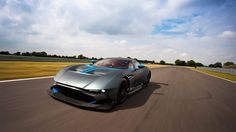 Aston Martin Vulcan - Unleashed
