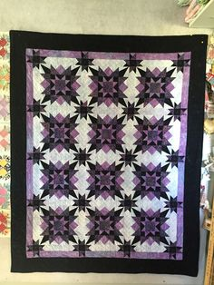 This was a mystery quilt I made in 2016.