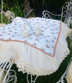Mantel rustico con volados y pajaritos, by La Tienda Deco&Ideas. Latiendadecoideas@gmail.com
