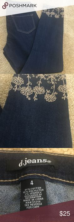 Embroidery jeans Brand new without tags Beige embroidery detail Pants Skinny