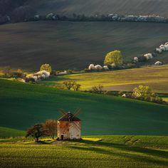 Old windmill in South Moravia. . . . #moodygrams #roamtheplanet #wildlifeplanet #earthfocus #discoverglobe #awesomeglobe #bohemianjourneys…