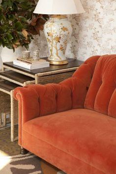 Asplund + Fantastic Frank Fastighetsmäkleri | Vignettes, Walls And Velvet  Couch