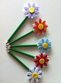 Useful Gadgets For Women - Gadgets Originales - Inspector Gadgets Videos - - - Cool Gadgets Technology Foam Crafts, Diy And Crafts, Crafts For Kids, Paper Crafts, Pencil Topper Crafts, Pencil Crafts, Pen Toppers, Flower Pens, Felt Patterns