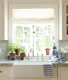 vignette design: Mark Sikes  love this marble for counters