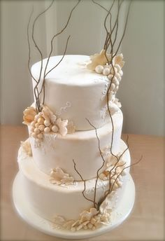 Nature wedding cake would be nice if it wasn't grapes, better with something else (DP is against grapes) ;)