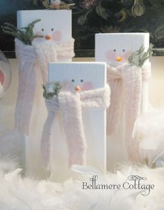 19 Ideas For Diy Wood Christmas Crafts Wooden Snowmen 19 Ideas For Diy Wood Christmas Crafts WoodenYou can find Woode. Christmas Wood Crafts, Rustic Christmas, Christmas Snowman, Christmas Projects, Winter Christmas, Holiday Crafts, Christmas Holidays, Christmas Ornaments, Christmas Ideas