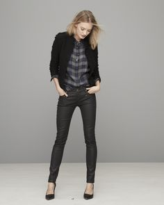 Outfit to duplicate. Dress up plaid with a tweed lady jacket and skinny jeans.