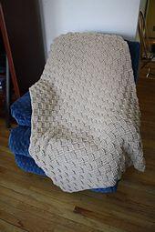 Ravelry: Basketweave Throw #chs-bafg pattern by Lion Brand Yarn