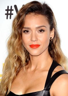 Clean and simple makeup with a bold lip. And lots of lashes. Jessica Alba.