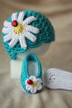 Crochet Baby Hat Crochet Baby Booties Spring and by TheBabyCrow