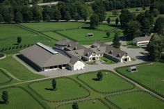 Vision of a dream Horse Farm! More horse ranch life Horse Barn Plans, Horse Barns, Horse Stables, Dream Stables, Dream Barn, Equestrian Stables, Equestrian Outfits, Barn Layout, Future Farms