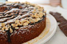TORTA AL CIOCCOLATO FONDENTE ricetta con procedimento tradizionale e con Bimby. Torta golosa e cioccolatosa, attenzione che una fetta tira l'altra.