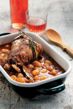 Amateur Cook Professional Eater - Greek recipes cooked again and again: Baked lamb leg stifado