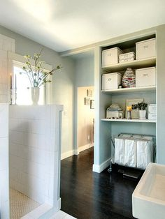 Towels and dirty laundry on the bathroom floor is one of my pet peeves. With a laundry hamper inside the bathroom, you, your children and your spouse will have no more excuses when it comes to cleaning up. houzz.com