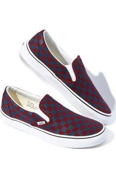 994673d59c05 Vans  Classic  Slip-On Sneaker (Unisex) (Nordstrom Exclusive)