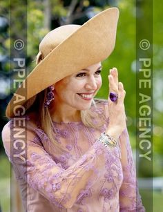 Dutch Royalty, Royal Jewelry, Queen Maxima, Nassau, Picture Ideas, Netherlands, Royals, Cowboy Hats, Jewerly