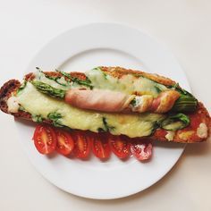 Asparagus, bacon and goat cheese tartine. Just a simple breakfast enjoy guys!