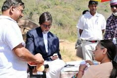 Amitabh Bachchan feels men his age don't have enough choices in Bollywood (see pics)
