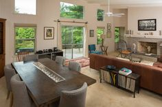 Check out this awesome listing on Airbnb: The General's Mid-Century near town in Asheville