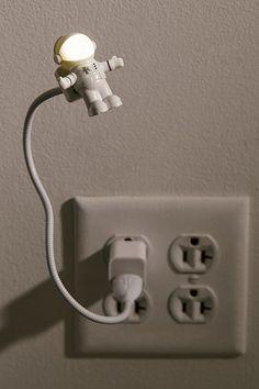 Kikkerland Design USB Astronaut Light