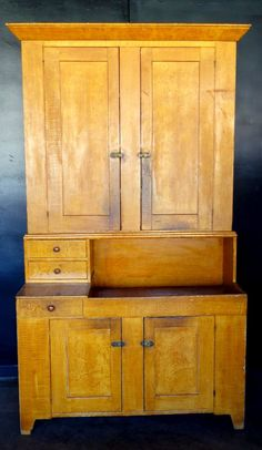 Beautiful Grain Painted Dry Sink Cupboard In 2 Parts   : Lot 238