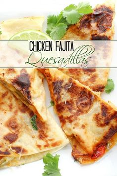 Chicken Fajitas Quesadillas Do you love chicken fajitas? Do you love quesadillas? Combine the two and you have one amazing quesadilla you'll want to make over and over! Mexican Chicken Recipes, Ground Chicken Recipes, Best Mexican Recipes, Easy Baked Chicken, Top Recipes, Cooking Recipes, Meal Recipes, Mexican Dishes, Turkey Recipes