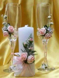 - Decoration World Wedding Wine Glasses, Wedding Champagne Flutes, Wedding Bottles, Champagne Glasses, Decorated Wine Glasses, Painted Wine Glasses, Wine Glass Crafts, Bottle Crafts, Wedding Centerpieces