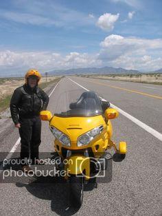 Landing gear for a Goldwing Goldwing Trike, Lazy People, Landing Gear, Scooters, Gears, Monster Trucks, Gear Train, Mopeds