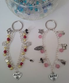 family charm bracelet keyring - The Supermums Craft Fair Craft Fairs, Christmas Gifts, Jewelry Making, Beaded Bracelets, Charmed, Jewellery, Personalized Items, How To Make, Crafts