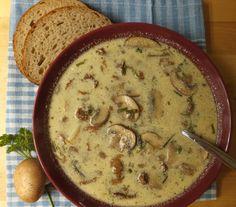 Schwammerlsuppe mit Brot