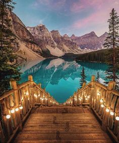 Moraine Lake, Valley of Ten Peaks, Banff National Park, Alberta, Canada