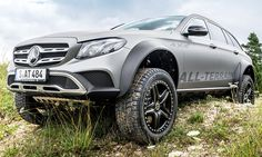 Die Mercedes E-Klasse All-Terrain 4x4² steckt schwere Offroader in die Tasche. Nun prüft Mercedes die Möglichkeiten einer Kleinserie.