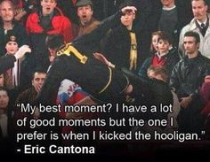 30 Most Iconic Photos in World Football History Eric Cantona, Footy Humour, World Football, Football Soccer, Manchester United Football, Iconic Photos, Professional Football, Man United, Like A Boss