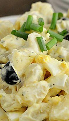 Perfect Potato Salad - Not the potato salad I remember Grandma making! Salad Bar, Soup And Salad, Cobb Salad, Potato Dishes, Potato Recipes, Vinaigrette, Sandwiches, Chia, Good Food