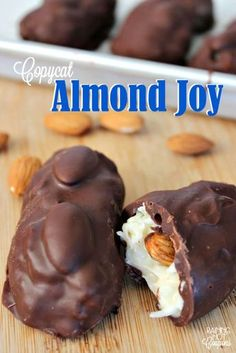 Did you know you can make your own Almond Joy candies at home? In my opinion, these actually taste better homemade. 😉 I like making these for gifts or just a late night snack or dessert. Fudge Recipes, Dessert Recipes, Copycat Recipes, Caramel Recipes, Almond Joy Bars Recipe, Almond Joy Cake, Just Desserts, Delicious Desserts, Small Desserts