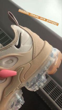 Cute Nike Shoes, Cute Sneakers, Nike Air Shoes, Shoes Sneakers, Jordan Shoes Girls, Swag Shoes, Kicks Shoes, Aesthetic Shoes, Fresh Shoes