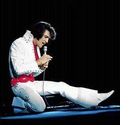 At The Forum Arena, Los Angeles, Ca : November Elvis Presley Concerts, Elvis In Concert, Elvis Presley Photos, Lisa Marie Presley, Elvis And Priscilla, Graceland, Mississippi, Tennessee, People Of Interest