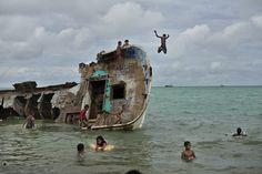 Climate change / sea-level rise in Kiribati by Kadir van Lohuizen South Pacific, Pacific Ocean, Erwin Olaf, Viviane Sassen, Reportage Photography, Abandoned Ships, Sea Level Rise, Press Photo, During The Summer