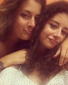 Quand nous sommes drunk enough. #neverdrunkenough #nosyeuxsontenpls #ctout #bestfriend #crazy #margouessa #alcohol #time #summer #enjoy #chezisa #commedhab #pls #enprevision #curly #girl #wonderful #adventures #ikkanniemeer #onsquattelesterrasses #party #everyday #student #life #yolo #young #wild #free http://butimag.com/ipost/1553251583184442353/?code=BWOQhXehZPx