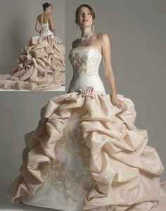 Oh. My. Goodness. I want a wedding dress JUST like this.